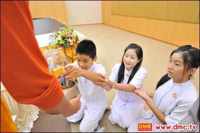 Take your children to the temple to study Buddhist teachings;